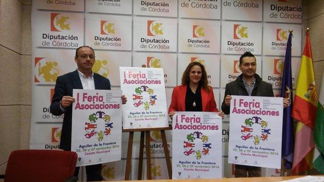 Barbero, entre Martín (izda.) y García, presenta la I Feria de Asociaciones