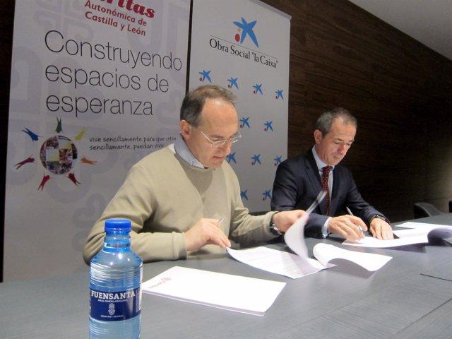 Antonio Jesús Martín (izda) y José Manuel Bilbao, firmantes del convenio.