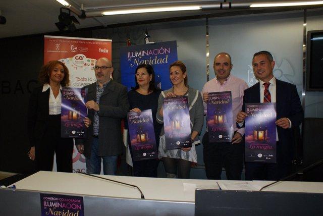 Cortes De Sonido, Fotografía Y NP Rosa González. El Ayuntamiento Apoya A Los Com