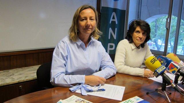 Teresa Hernández  y Laura Alins.