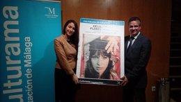 Celia Flores y Víctor González en la presentación.