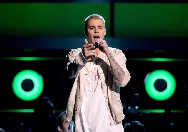 Justin bieber sobre el escenario