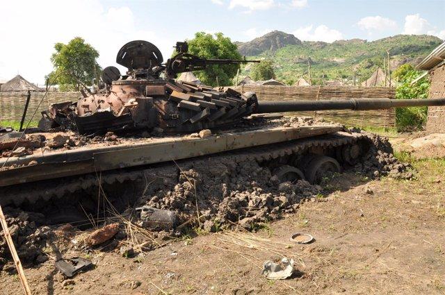 Restos de equipos militares en Yuba