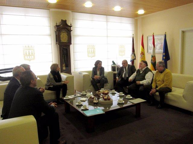 Gamarra, con los miembros de Hucha Popular y UDP