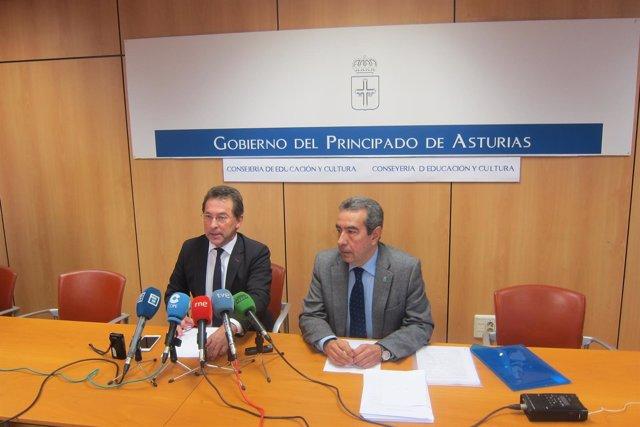 Genaro Alonso y Alberto Muñoz presentando el Inforem 2013/14 de Educación.