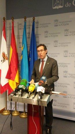 Fernando Couto, durante la rueda de prensa.