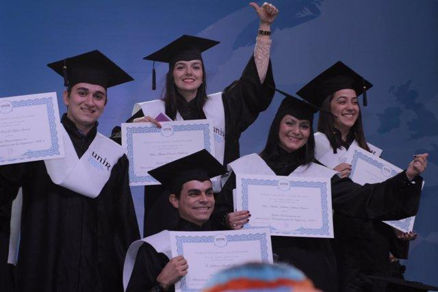 Graduación en Colombia de la UNIR en 2015