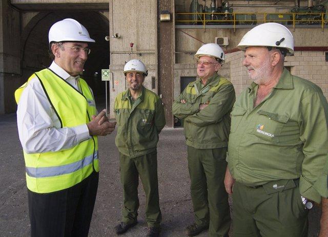 Ignacio Galán con los trabajadores de Iberdrola