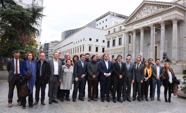 Puigdemont, Junqueras y Mas apoyan a Homs antes del debate del suplicatorio