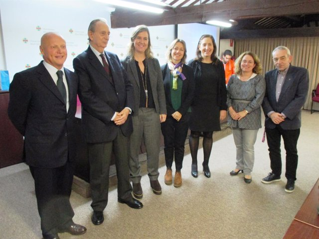 Mesa redonda sobre 'Buenas prácticas en RSE' de la UAO CEU
