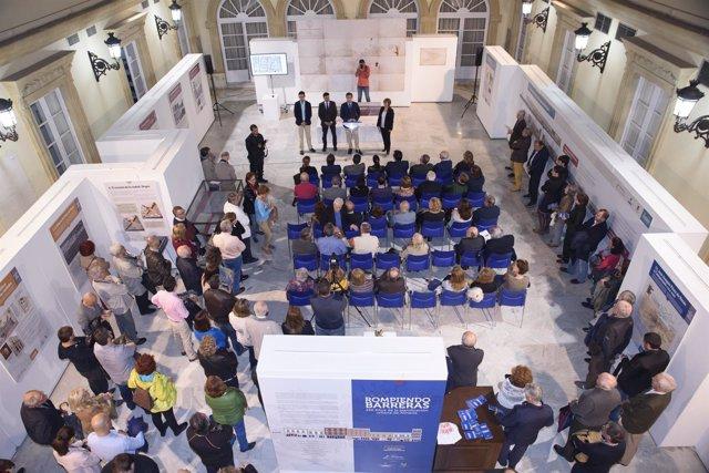 Exposición 'Rompiendo barreras, 150 años de la planificación urbana en Almería'
