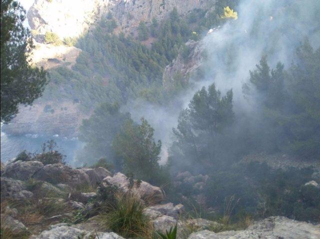 Incendio en Cala Tuent