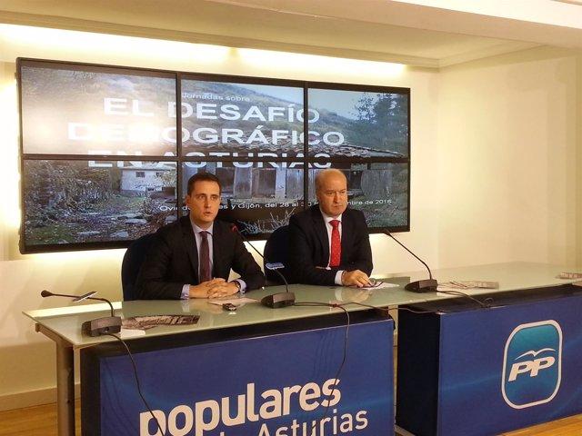 Luis Venta y David González Medina en presentación jornadas demografía.