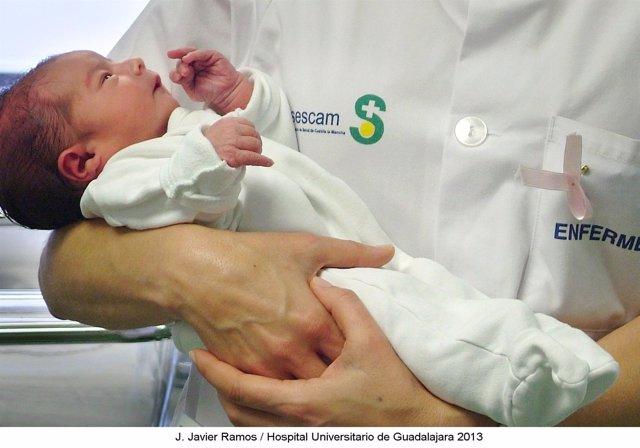Nacimiento, bebé, unidad neonatal Hospital Guadalajara