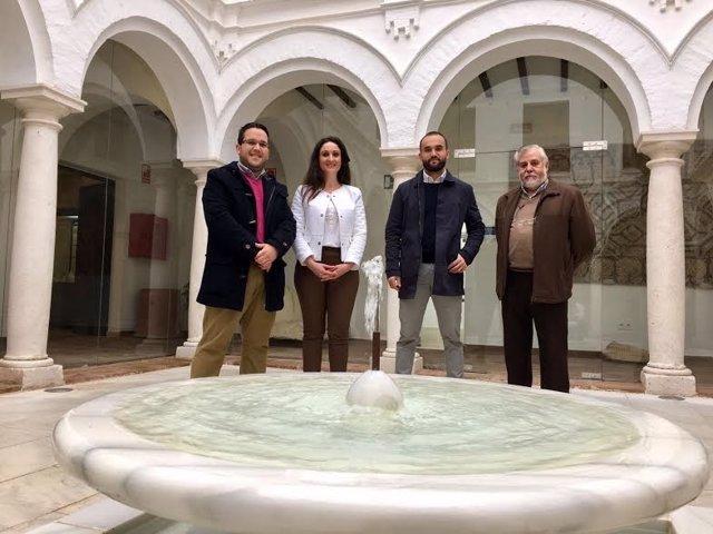 Gómez visita la Casa de las Columnas