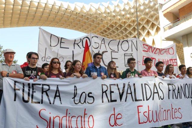 Manifestación de los estudiantes en Sevilla