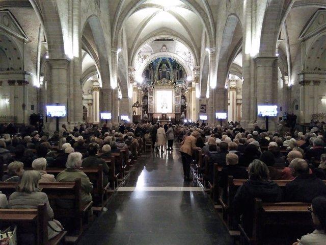 Misa por el descanso de Barberá en la Catedral de Valencia
