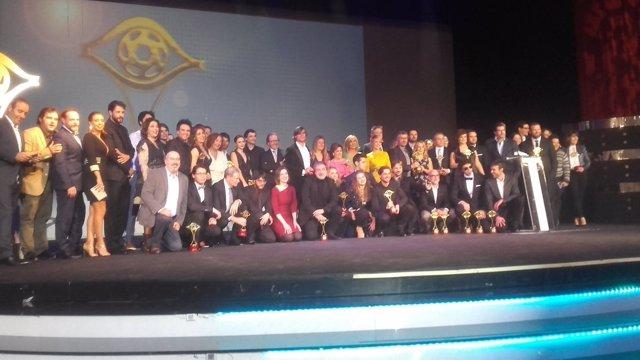 Foto de familia de los Premios IRIS de la Academia de la Televisión
