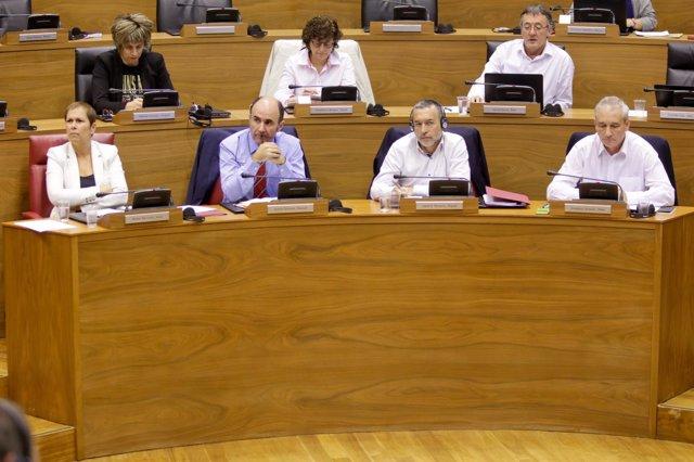 Uxue Barkos en el Parlamento de Navarra.
