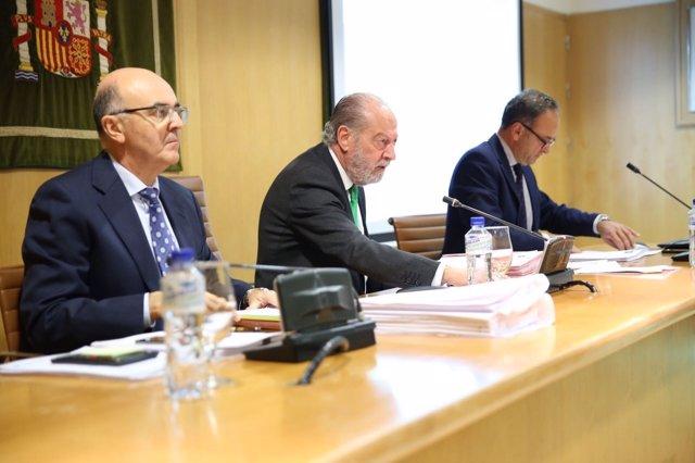 Rodríguez Villalobos, en un momento del Pleno de Diputación de Sevilla