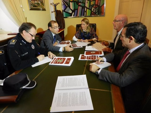 Reunión sobre seguridad vial en Cáceres