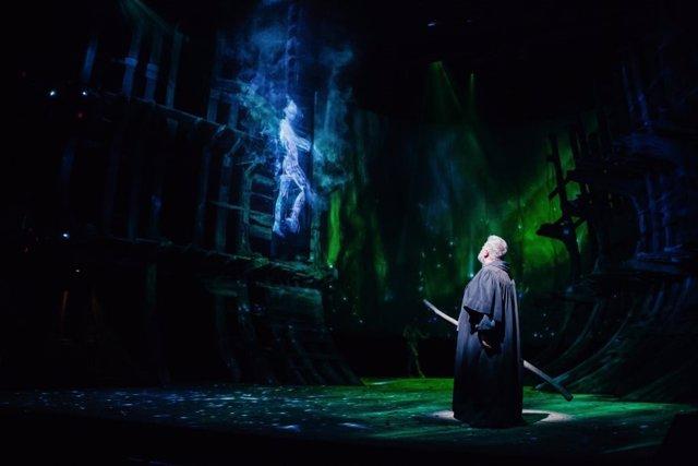 Avatar digital en la representación de 'La Tempestad' en el Royal Shakespeare T.