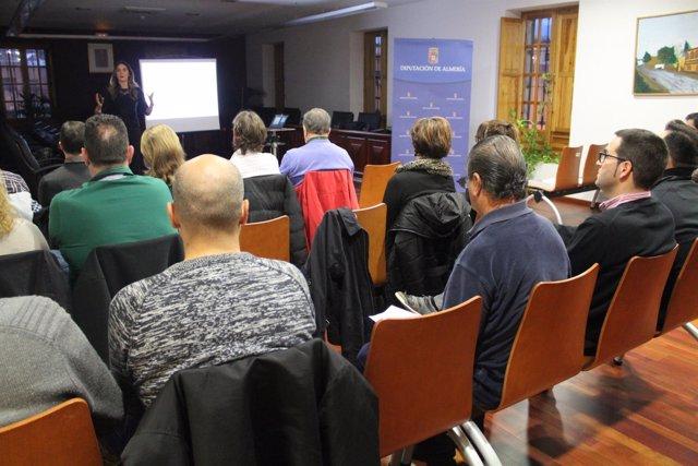 Alicia Puga ha impartido el taller a los más de 20 empresarios participantes.