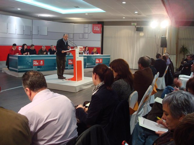 Ricardo Varela En El Comité Provincial Del PSOE