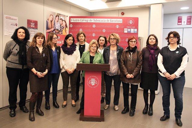 Acto institucional del Icab por el día de la violencia contra las mujeres