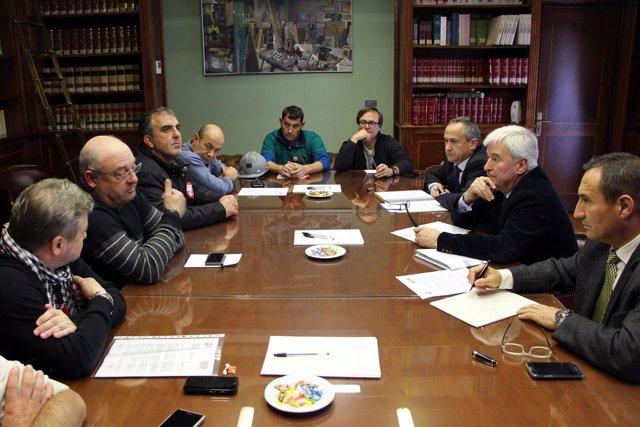 Reunión de los sindicatos con el Delegado del Gobierno