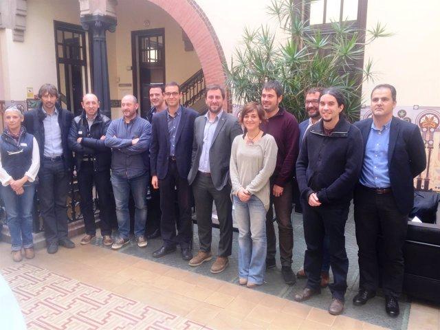 El conseller A.Comín con alcaldes del Vallès