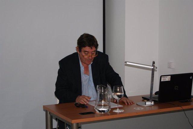 El escritor Luis García Montero, en la UNIA