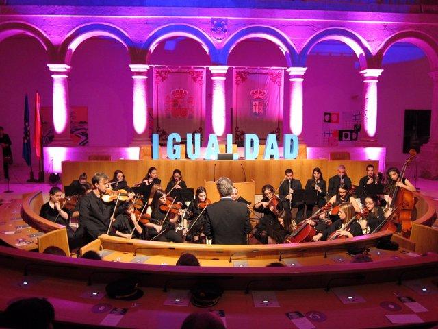Collegium Musicum participa en el Parlamento en acto contra Violencia de género