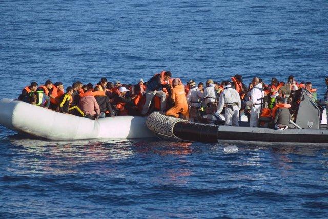 Rescate de personas en el Mediterráneo a cargo de militares españoles