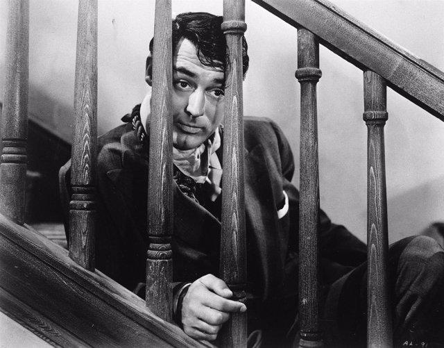 Cary Grant en Arsénico por Compasión