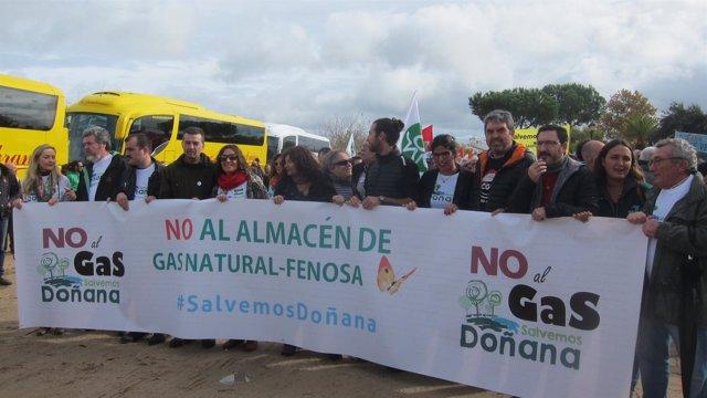 Manifestación en El Rocío contra los proyectos de Gas Natural en Doñana.