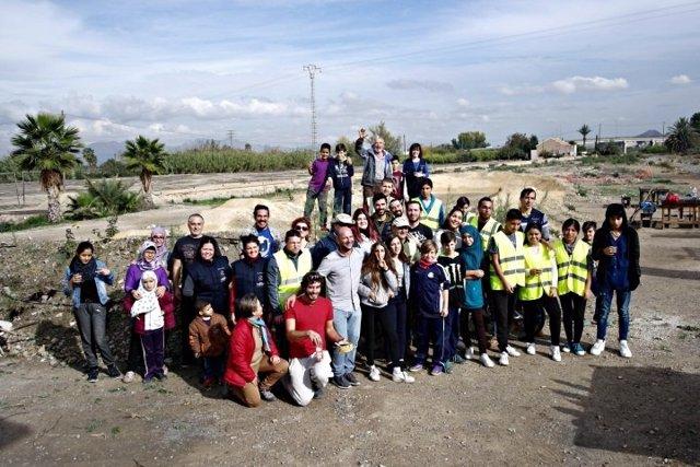 Vecinos de Beniaján participan en una jornada de convivencia