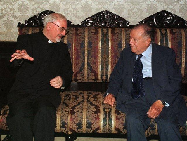 Peter Hans Kolvenbach, Padre General de los Jesuitas, con Rafael Caldera en 1998