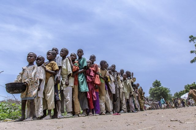 Niños en campo de desplazados de Banki, en Borno (Nigeria)
