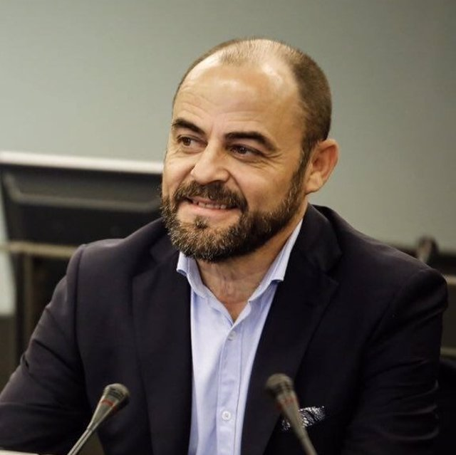José Luis Martínez