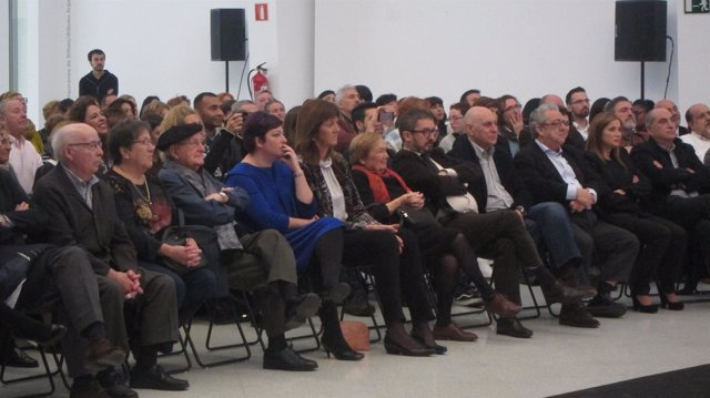Idoia Mendia y cargos socialistas en el acto Ramón Rubial,2016