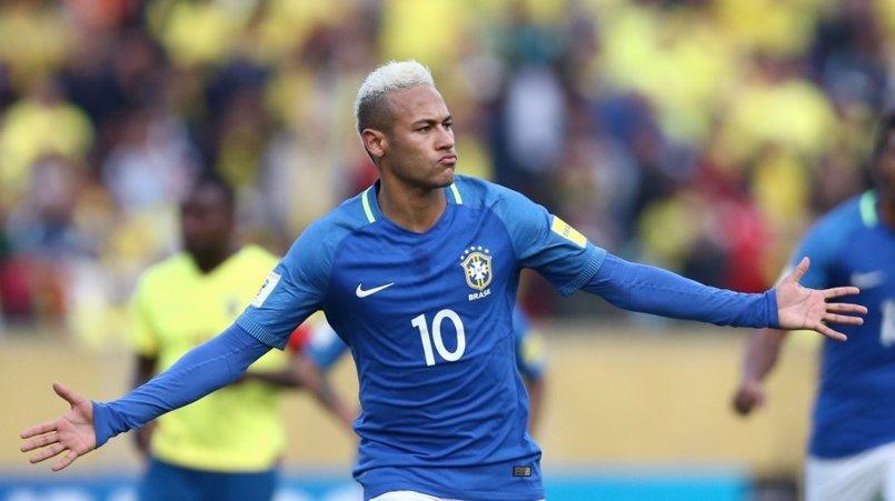 Neymar sufre un accidente de tráfico con su Ferrari