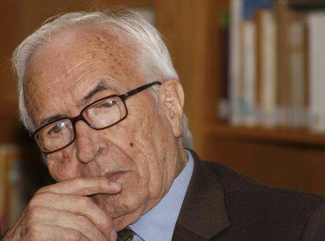 Xosé Neira Vilas, escritor