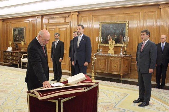 El nuevo fiscal general del Estado, José Manuel Maza Martín, promete su cargo