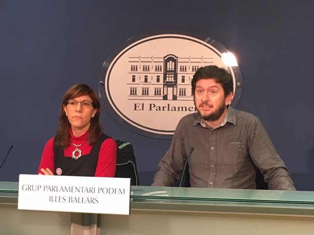 El Presidente Del Grupo Parlamentario Podemos, Alberto Jarabo