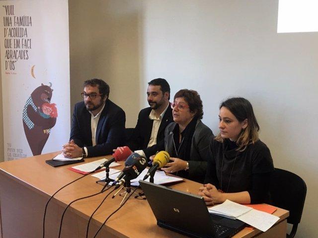 Presentación de la campaña de acogida familiar del Govern, con D.Bassa