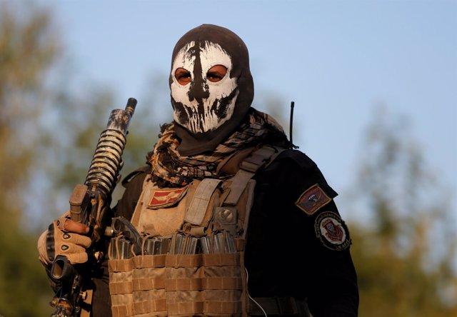 Un miembro de las fuerzas especiales iraquíes en Mosul