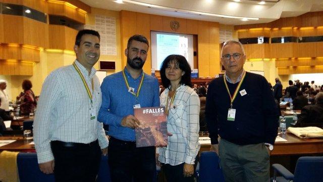 Fuset y otros representantes valencianos en la Asamblea de la Unesco