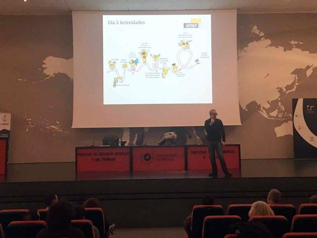 El CEO dek laboratorio de ideas Félix Lozano en la inauguración.