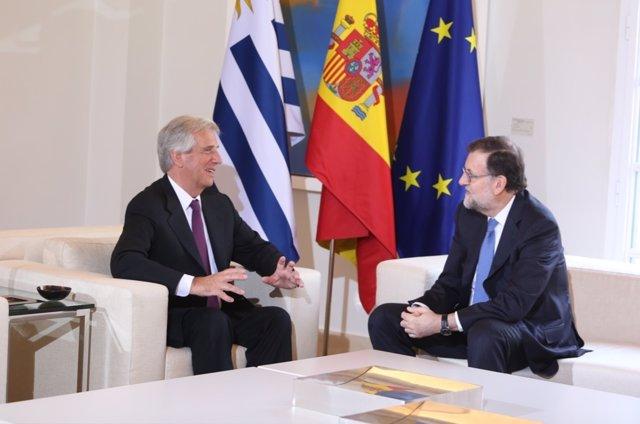 Mariano Rajoy recibe al presidente de Uruguay, Tabaré Vázquez, en Moncloa